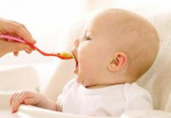 Грудное молоко необходимо для развития мозга ребенка