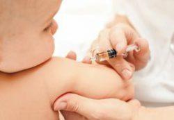 Делать ли прививки ребенку?