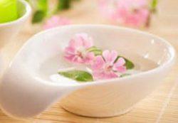 Чем полезно вазелиновое масло для детей