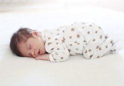 Как должен спать грудничок