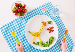 Овощи и фрукты в детском меню: как давать их без капризов