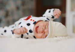 Детская истерика: 8 уважительных причин почему малыш плачет