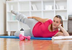Спорт и живот: какие тренировки не повредят будущей маме