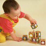 Развитие ощущений и восприятий младенца