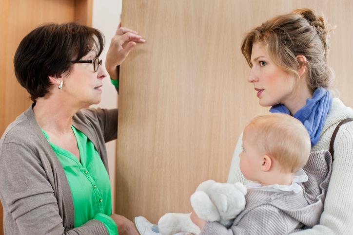 Почему ребенок слушается только няню?