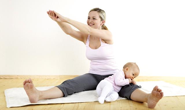 Упражнения, для восстановления формы с малышом на руках