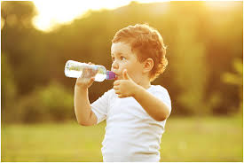 Вода с пребиотиками поможет бороться с детским ожирением