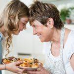 Бабушки и дедушки нередко становятся причиной развития ожирения у внуков