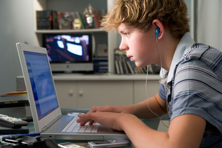 Что произойдет, если пренебречь конфиденциальностью ребенка в Интернете?