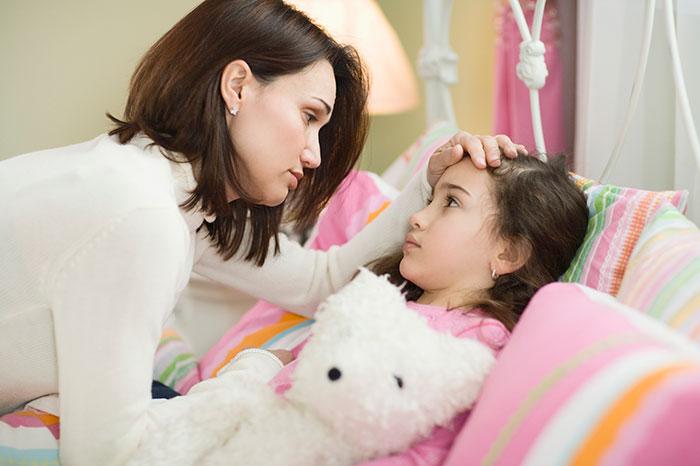 Как не заразиться от малыша? Правила поведения