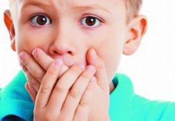 Заикание у малышей: нужно лечить или пройдет само?