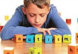 Ребенок с аутизмом: защищать от стимулов и много играть
