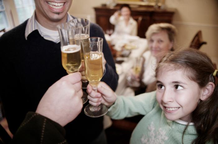 Как наше отношение к алкоголю влияет на детей?
