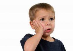 Как снять зубную боль ребенку?