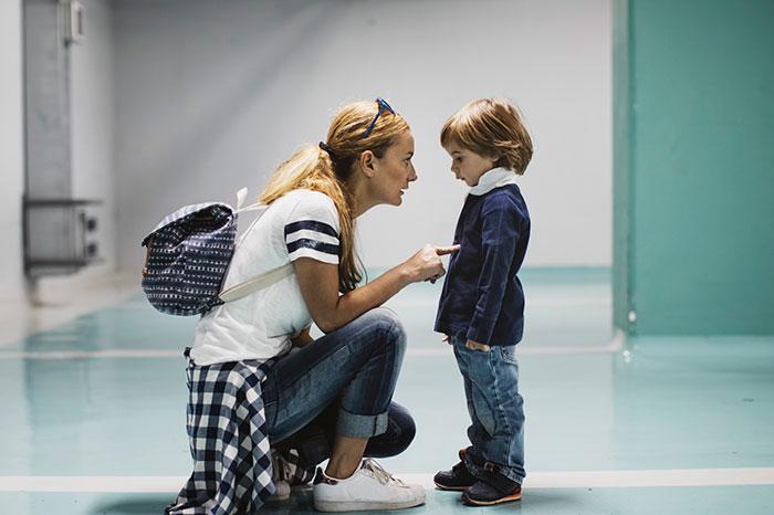 Почему мы так любим запугивать своих детей?