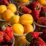 Ранние ягоды и фрукты