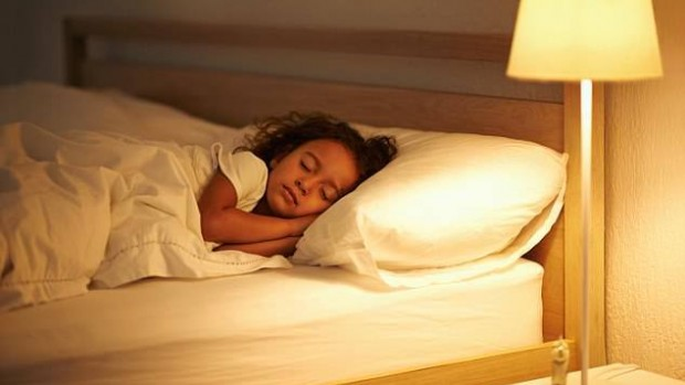 Воздействие яркого света в вечернее время может ухудшить здоровье детей