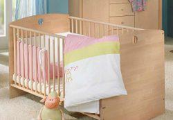 Когда менять кроватку для малыша