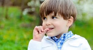 Когда ребенок грызет ногти