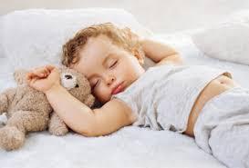 Сколько должен спать малыш