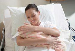 Если родился недоношенный ребенок, можно ли кормить грудью?