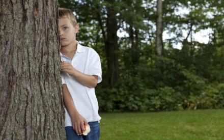 Помогаем подростку преодолеть стеснительность