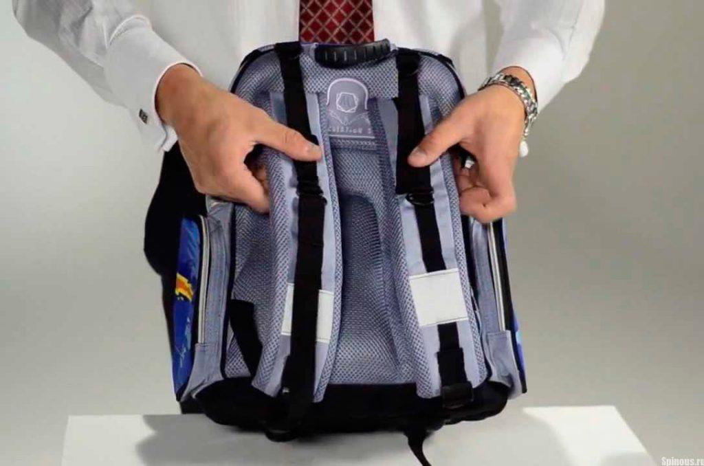 Выбираем школьный портфель: по уму и по душе