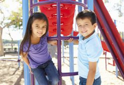 Что делать после драки в песочнице: 3 шага для родителей