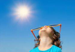 Настало лето: как обезопасить ребенка в жару