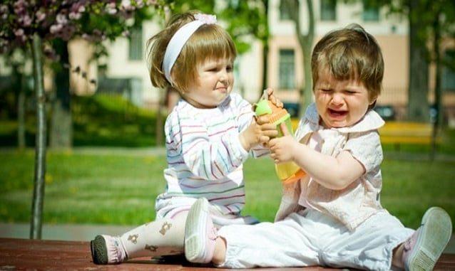Не заставляйте ребенка делиться
