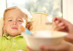 Все еще заставляете ребенка есть? К чему это приведет