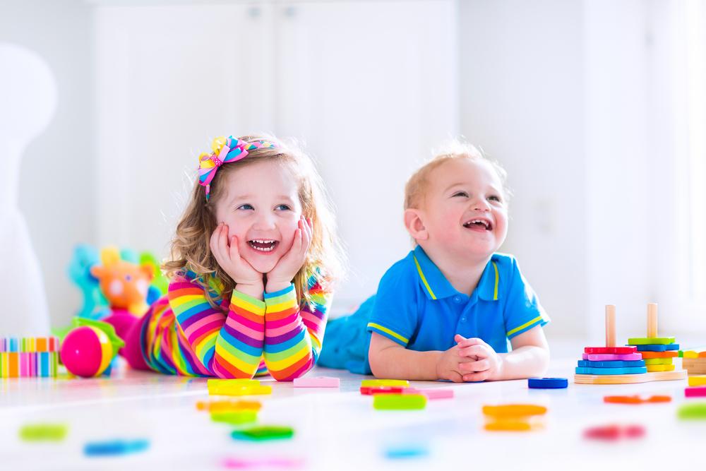 Как проявляется аутизм у ребенка? Признаки аутизма для родителей