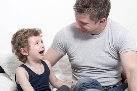 Ребенок плачет. Воспитывать или умиротворять?