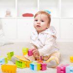 Играем и развиваемся: малыш от 7 до 9 месяцев