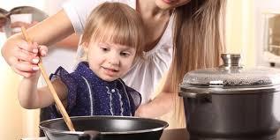 Как обезопасить малыша от ожогов?