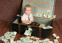 Как научить ребенка распоряжаться деньгами