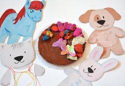 День рождения девочки 3 лет: календарь ожидания и квест своими руками