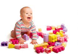 Развивающие игрушки для детей от 1 года до 3 лет: пазлы, конструкторы, шнуровки