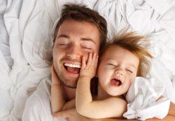 Когда спать укладывает папа: 3 истории
