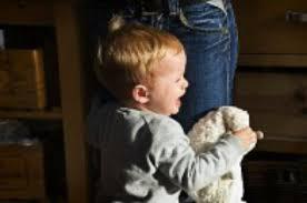 Как научить ребенка переживать расставание с мамой: выход на работу