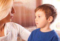 Воспитание ребенка: быть другом, начальником или послом?
