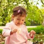 Весной и летом рождается больше девочек