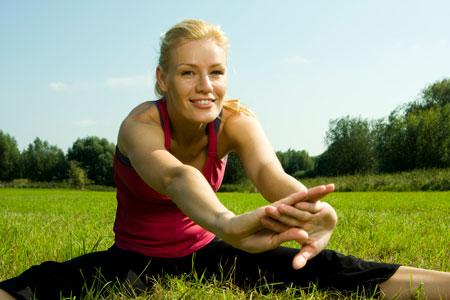 Фитнес для мамы: дома или в фитнес-центре, с ребенком или без?