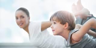 Детская йога против тревожности у ребенка