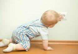 Малыш и безопасность: месяц за месяцем