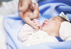 Роды по ОМС: вопросы будущих мам