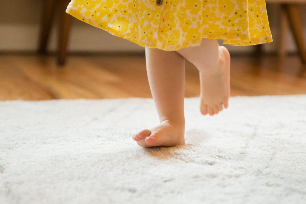 В какой обуви ребенок должен ходить дома?
