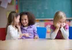 Дочку бросила лучшая подружка в детском саду