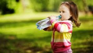 Утоляем жажду. Летние напитки для малышей
