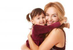 Если вас много ругали и мало обнимали в детстве: 7 способов воспитания собственных детей